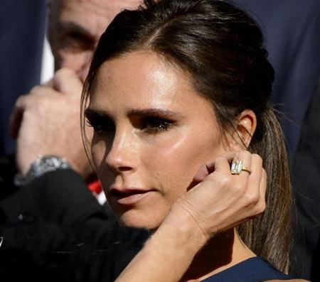 حلقه های ازدواج میلیاردی بر انگشت خانم فوتبالیست معروف!+عکس