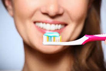 مواد غذایی مضر برای سلامت دندان ها