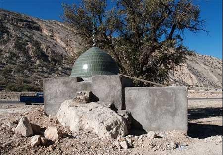 آثار تاریخی روستای دیل